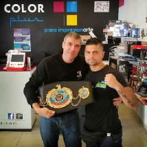 El Campeón Mundial de Kick Boxing visita Color Plus Calpe